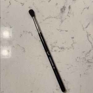 Sigma brush (E40)